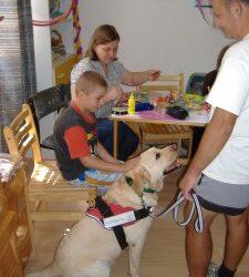 Terápiás foglalkozás a gyermekek átmeneti otthonában