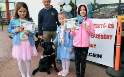 Gyermekrajz pályázat a vakvezető kutyák világnapja alkalmából